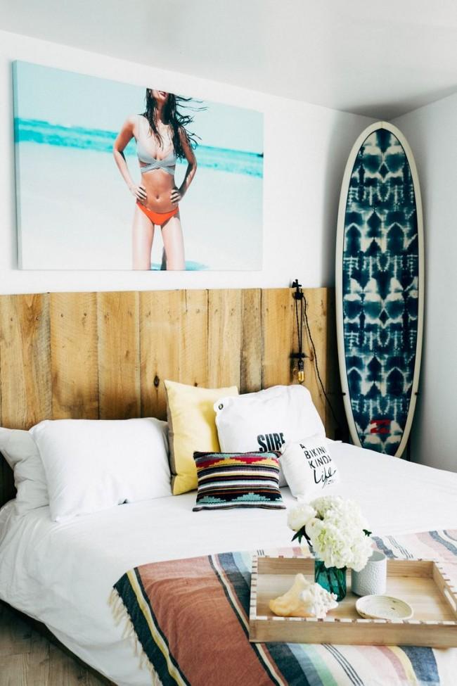 С морским стилем зачастую ассоциируются рыболовные и мореходные узнаваемые символы и предметы. А как вам пляжный стиль с серферскими аксессуарами?