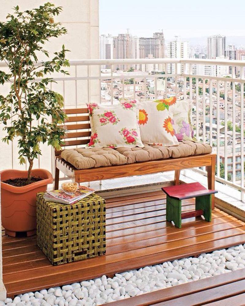 Отделка балконов внутри: всё разнообразие вариантов.