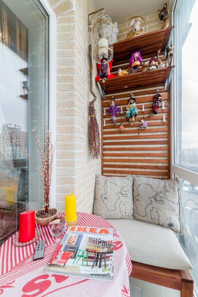 Декоративный кирпич в отделке стен небольшого балкона
