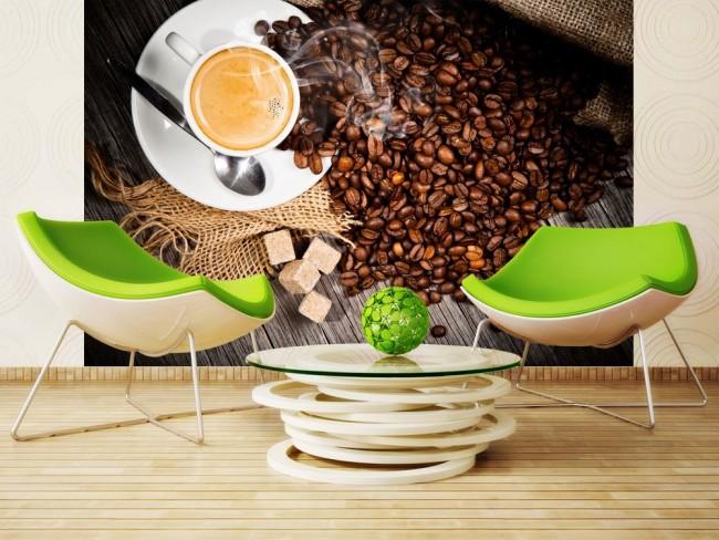 Тематические изображения на стене, как ароматный кофе на этом фото, превратят кухню в уютный уголок