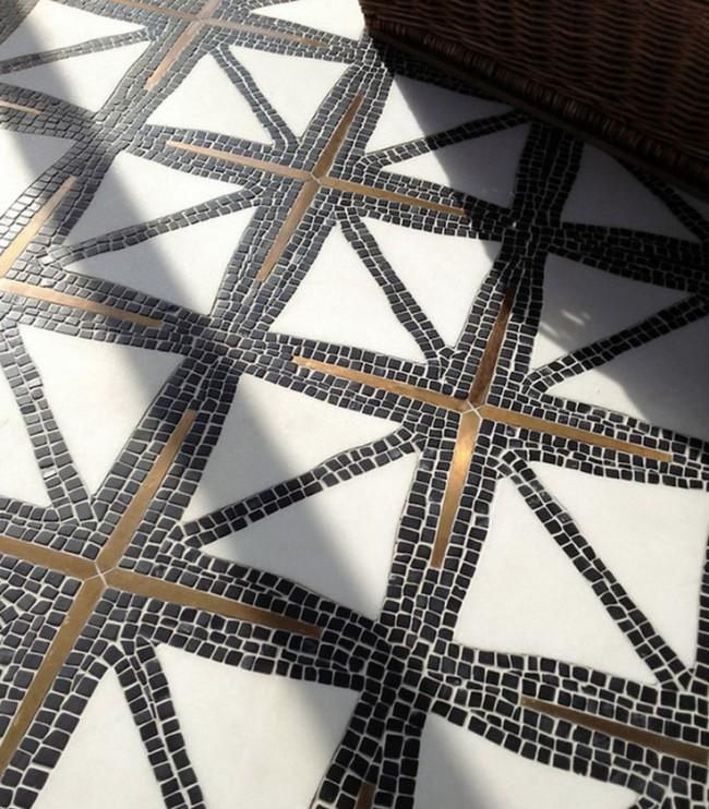 Изысканный узор из мозаики, собранный вручную