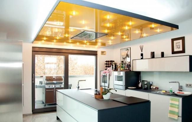 Замечательная идея комбинирования натяжного потолка с гипсокартонной основой