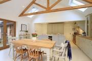 Фото 7 Стол и стулья для кухни: 40+ идей организации обеденного пространства (фото)