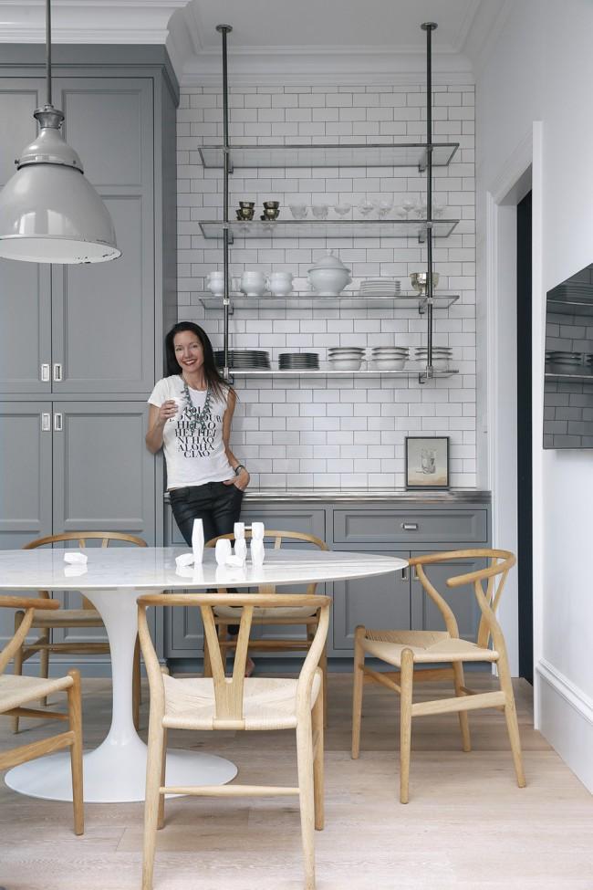 Деревянные стулья будут уместны в любом интерьере кухни