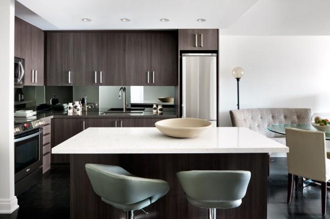 Выдержанная цветовая гамма даже при большом количестве мебели сохраняет легкость пространства