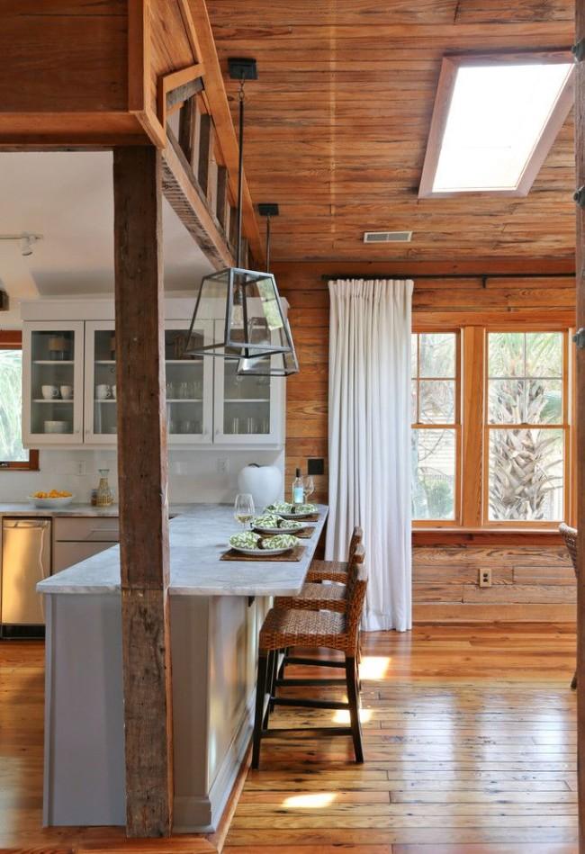 Деревянный интерьер в оформлении кухни
