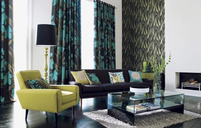 Игра оттенков зеленого в интерьер гостиной