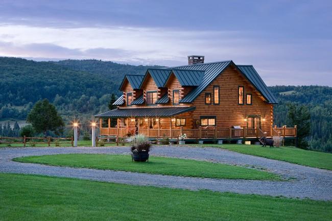 На сегодняшний день древесина остается самым популярным материалом для строительства и отделки жилья