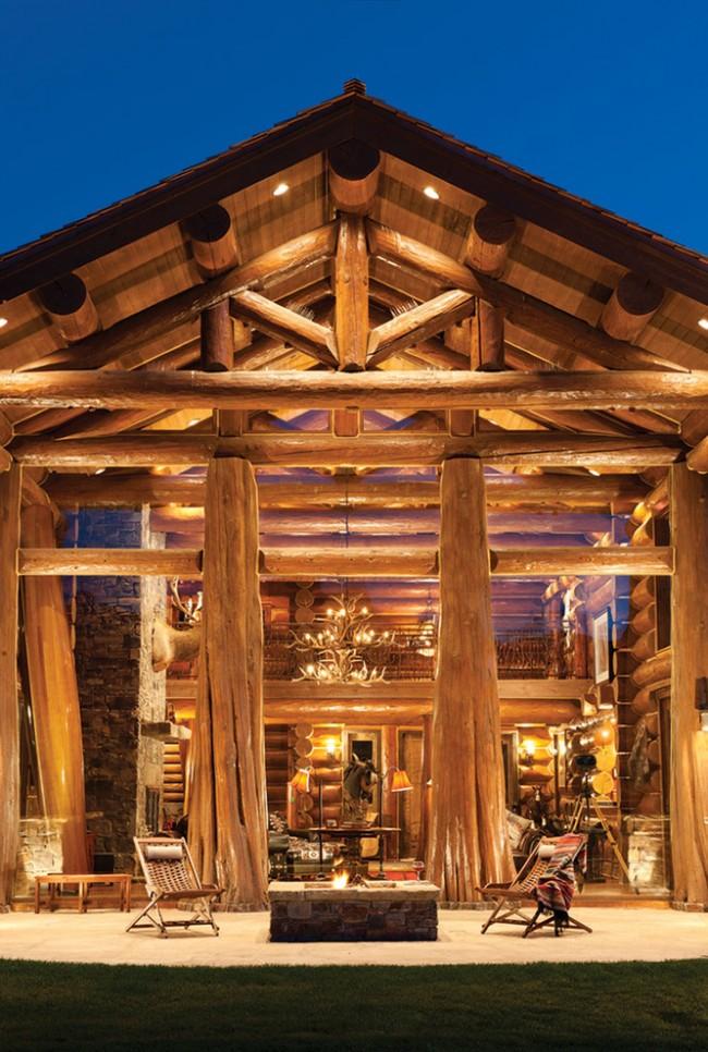Шикарный загородный деревянный дом