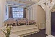 Фото 20 Кровать-подиум в интерьере: особенности размещения и обзор самых трендовых решений