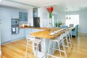 Фото 1 Дизайн кухни с барной стойкой: 40 трендов для современного и практичного интерьера