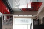 Фото 14 Натяжной потолок на кухне: можно ли делать и 70+ дизайнерских фотоидей  для глянцевого и матового финиша