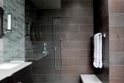 Фото 30 Кафель для ванной комнаты: мозаика, пэчворк и 50+ самых свежих дизайнерских трендов