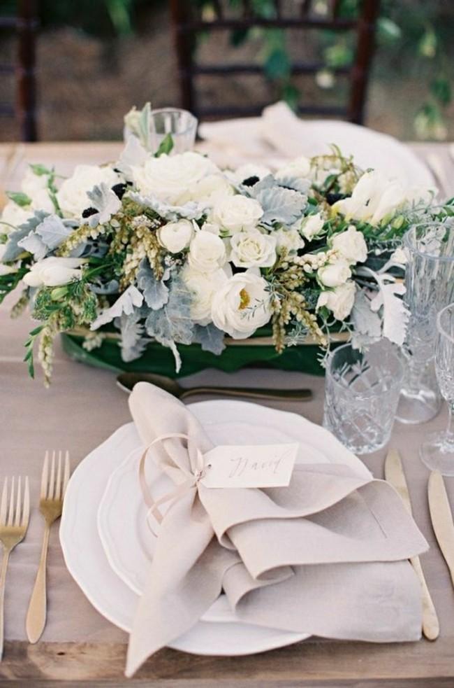 Красиво сложенная салфетка - дополнительное украшение стола