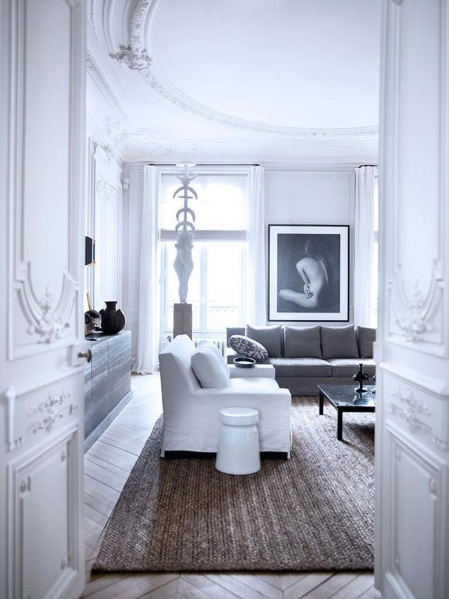 Роскошные парижские апартаменты, где резные полотна дверей - просто произведения искусства