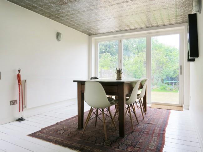 Клеевый потолок под покраску, позволит менять цвет под любое настроение