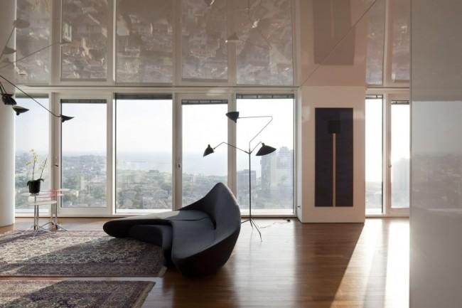 Глянцевый потолок для еще большего увеличения пространства