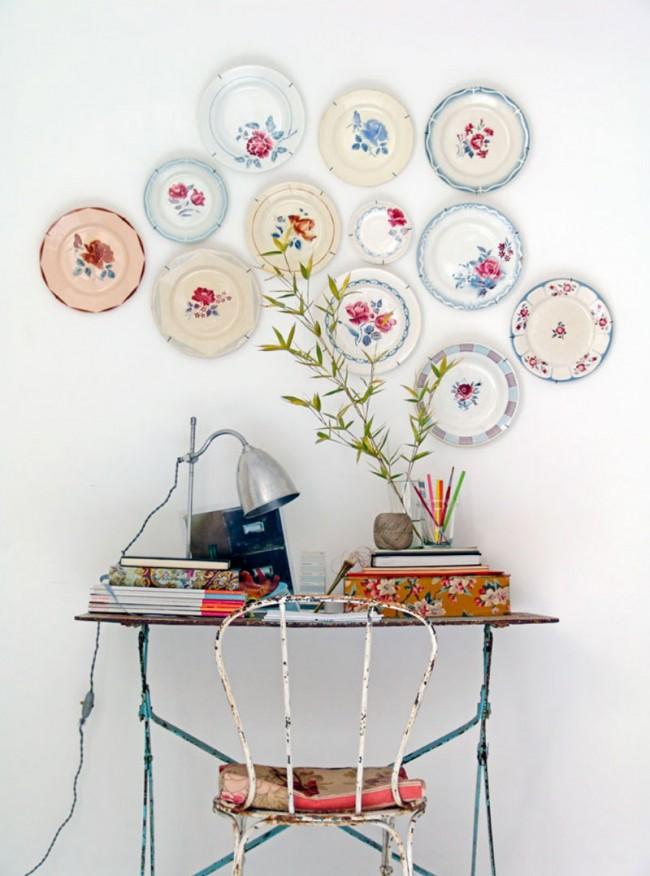 Декор из посуды в стиле прованс для стены