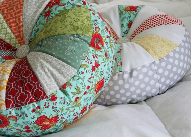 Декоративные подушки своими руками принесут в дом уют и хорошее настроение