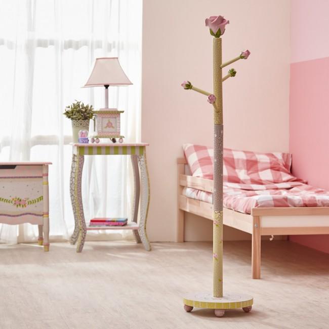 Применение кракелюра для состаривания мебели