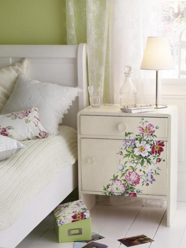 Вторая жизнь старинной мебели в ярких красках