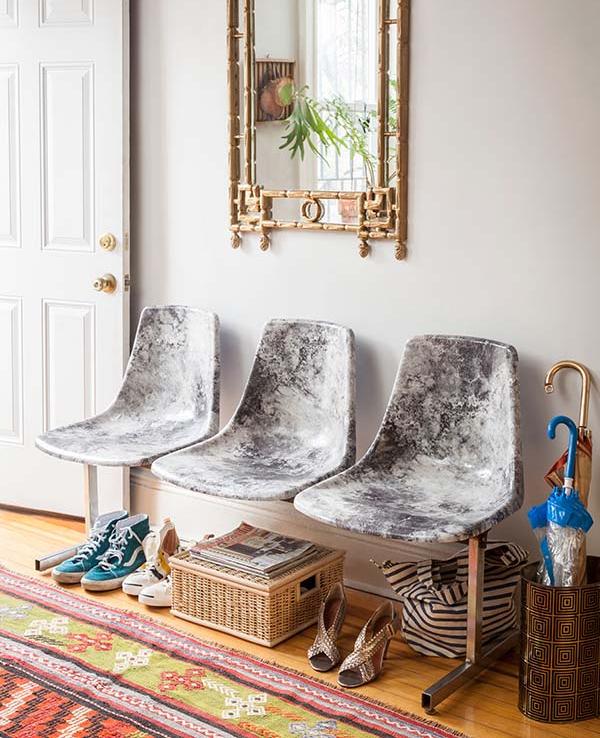 Идея украшения мебели бумагой с реалистичным мраморным рисунком