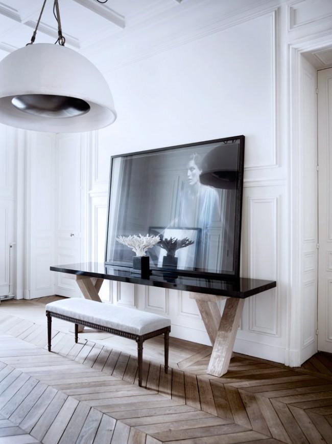 Европейский шик на стыке двух эпох в доме, который парижская семья из двух дизайнеров декорировала самостоятельно
