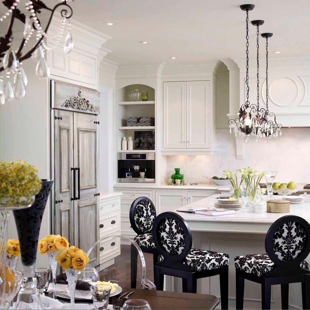 Фото черно-белой кухни с узором