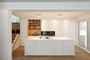 Фото 3 Кухня хай-тек: бескомпромиссная функциональность в интерьере