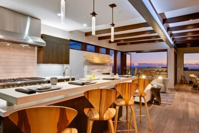 В настоящее время кухонный интерьер в стиле хай-тек становится предметом повышенного внимания