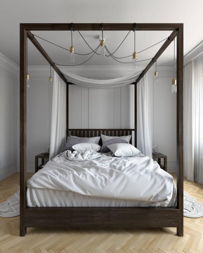 Очень стильный вариант для маленькой спальни, куда обычно не подходят кровати с балдахинами. Здесь балдахин находчиво использован для красивого развешивания подвеса на семь ламп