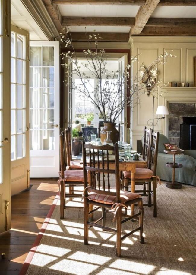 Молдинги для стен отлично подойдут как для квартиры в шумном мегаполисе, так и для небольшого загородного домика