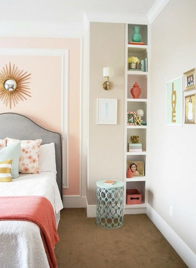 С помощью молдингов можно кардинально поменять форму комнаты, а также исправить имеющиеся недостатки, интерьерные погрешности и дефекты стен