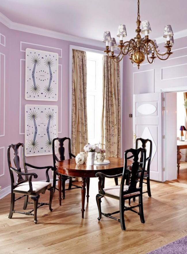 Сейчас представлен широкий выбор цветов и материалов из которых изготовлены молдинги, с их помощью можно создать свой уникальный и неповторимый дизайн комнаты