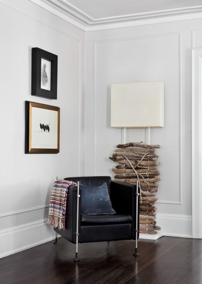 Молдинги являются многофункциональными и практически универсальными, можно использовать их в качестве плинтусов в помещении, в роли дверных наличников, а можно использовать их в качестве мебельного декора