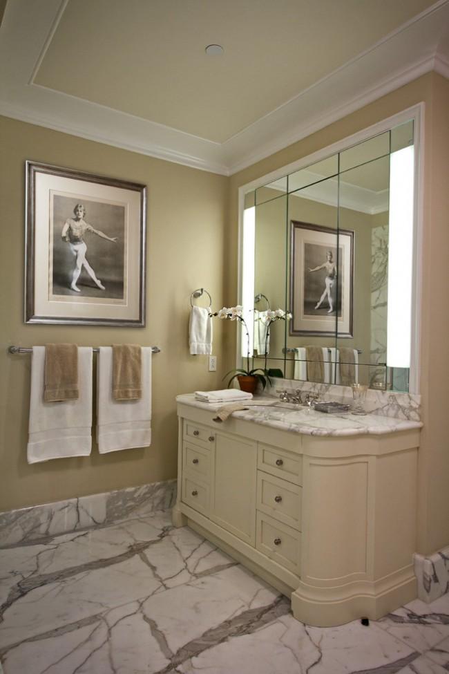 Не стоит думать что молдинги подходят только для спален или гостиных комнат, они отлично подойдут и для ванной комнаты, если правильно подобрать материал с которого они сделаны