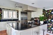 Фото 17 Обои для кухни: обзор самых вкусных и свежих тенденций года в кухонном интерьере