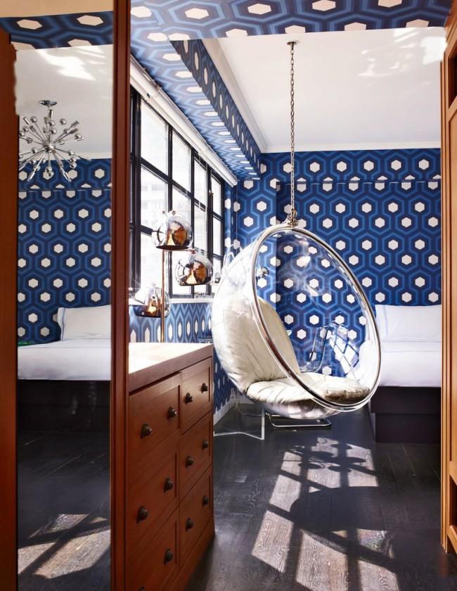 Насыщенный синий в сочетании с белым создает настроение праздника в каждый момент и обеспечивает бодрое пробуждение