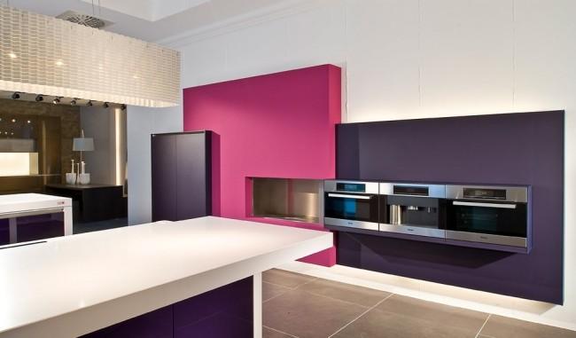 Романтическая цветовая палитра в отделке кухни
