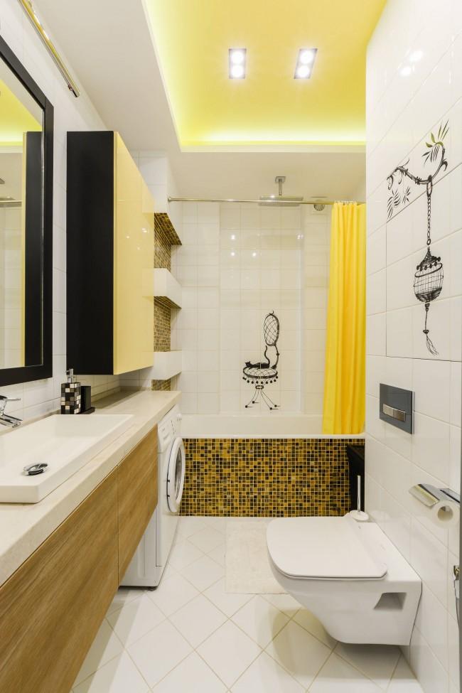 Штрихи ориентализма в практичной европейской солнечно-желтой ванной