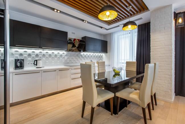 Графитового цвета шторы и белый тюль на кухню в стиле модерн
