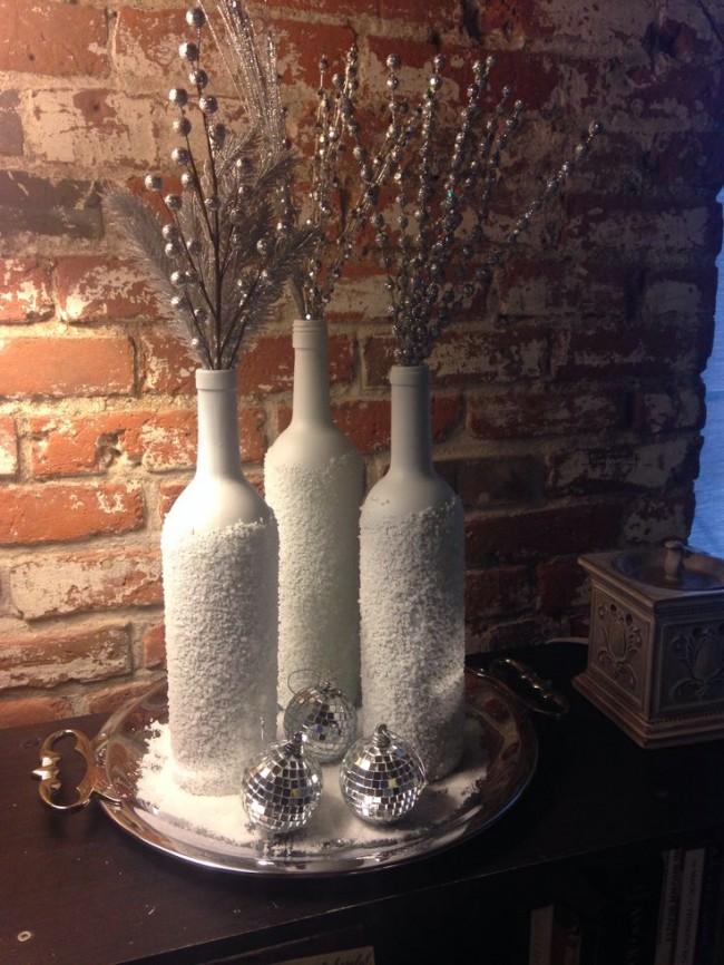 Снежно-белая фактура на декоративной бутылке