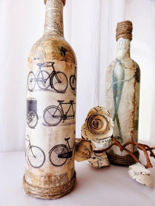 Также для оформления бутылок можно использовать состаренную газету и различные принты, которые можно найти в интернете