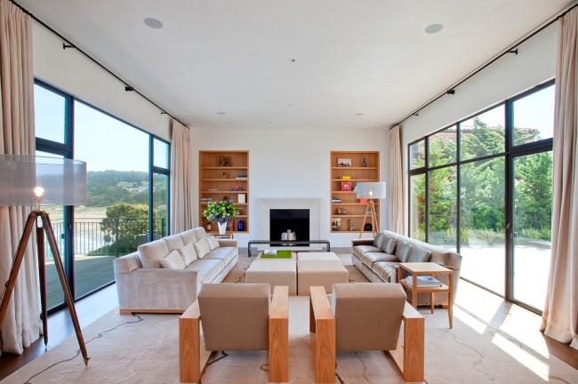 Современная мебельная промышленность предлагает огромный ассортимент угловых и прямых диванов различного дизайна и технической оснащенности