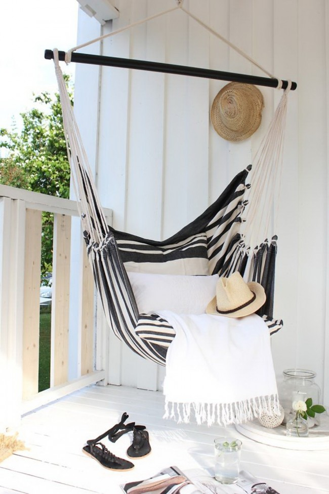 Красивый гамак, как элемент декора и комфорта в дизайне лоджии