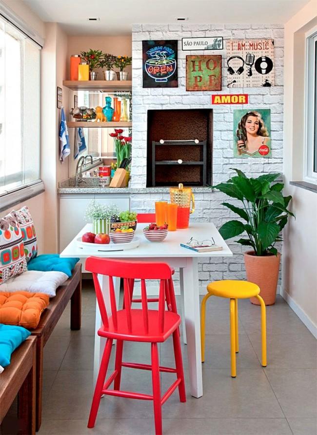 Кухня в стиле поп-арт, размещенная на небольшом балконе