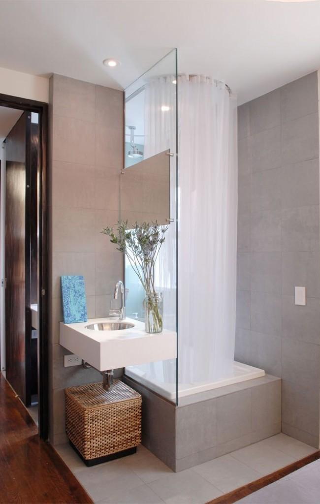 Душевые кабины в маленьких ваннах прекрасно подойдудт для семей с маленькими детьми
