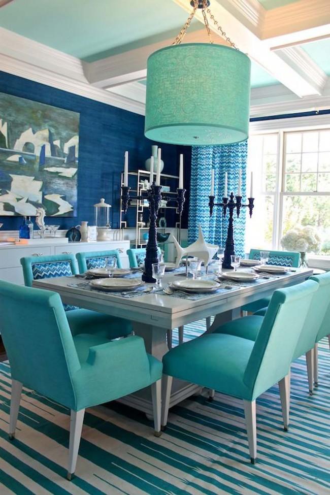 Керамические канделябры синего цвета отлично дополнят сервировку стола в морской тематике