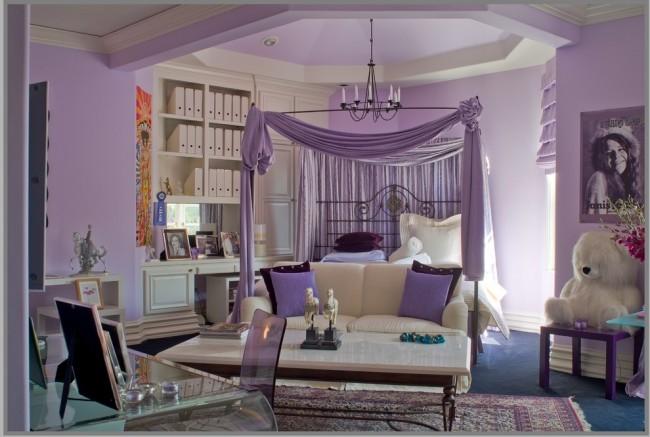 Светло-сиреневая спальня добавляет объема маленькому помещению, создает впечатление некой таинственности и чистоты
