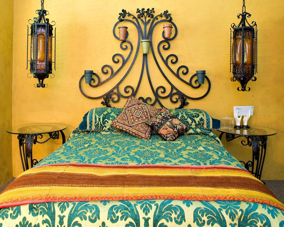 Дизайн спальни с кованной мебелью